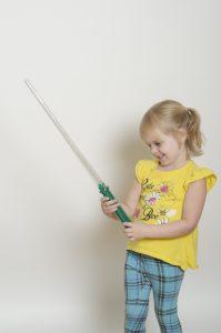 お遊戯会の【剣の作り方】!小物まで手作りしなくてはいけない