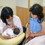 母乳は左右【何分】ずつ、どのくらいの量を飲ませる!?