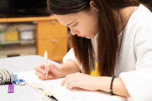 勉強を【復習】するタイミングや回数は?効率的に暗記する方法を解説!